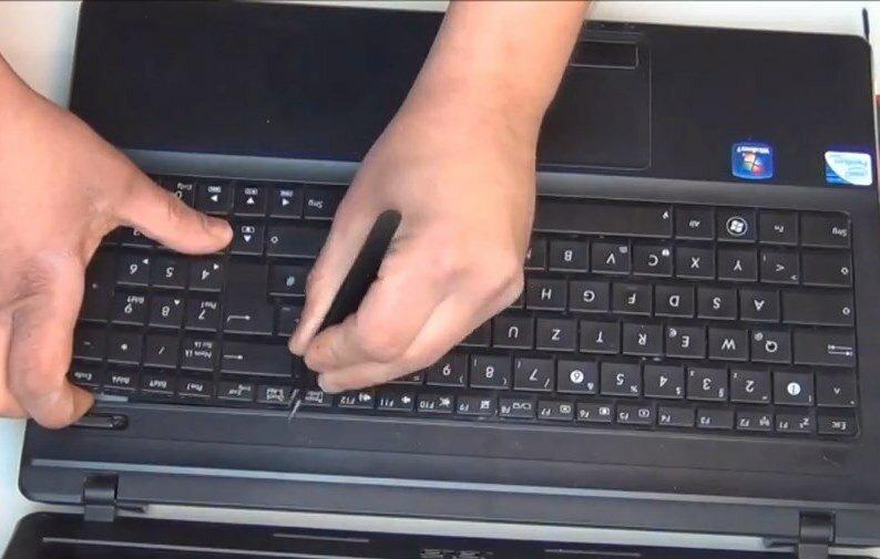 снять клавиатуру Asus X54C K54C