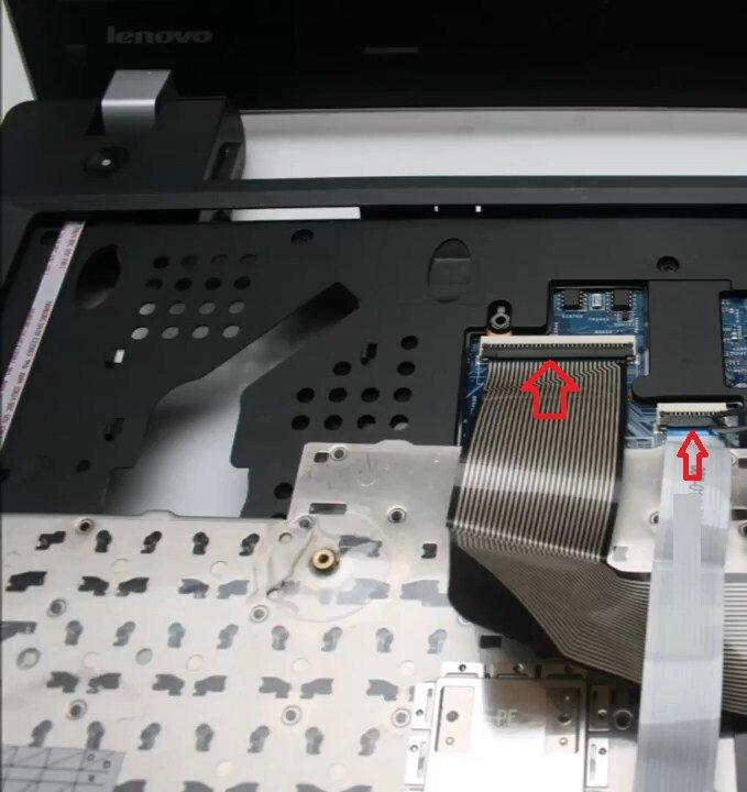 Разборка Lenovo E335 снять клавиатуру
