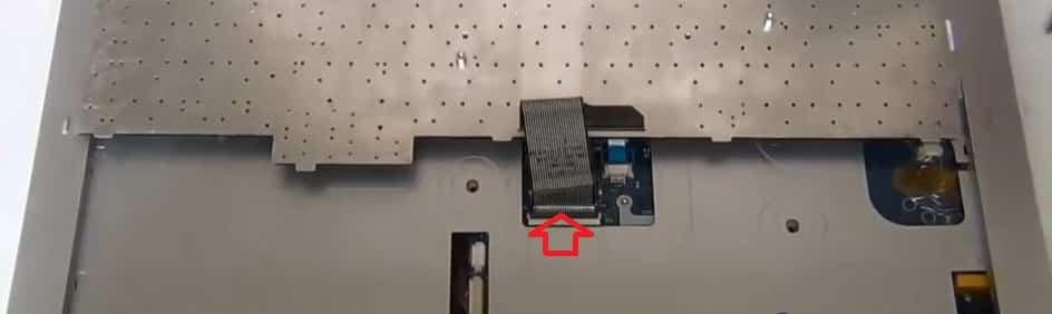 разобрать Samsung R730 (R720) снять клавиатуру